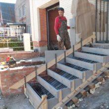 Как сделать ступени для крыльца на даче? Схемы и видео бетонирования