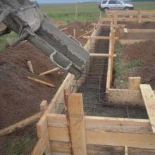 Выбор марки бетонного раствора для заливки фундаментной ленты