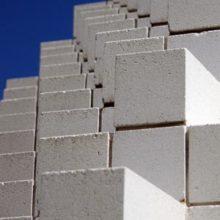 Какие блоки лучше — газобетонные или пенобетонные?