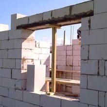 Монтаж перемычек на стены из газоблоков