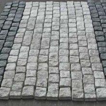Брусчатка из гранитного камня размером 100х100х50 мм