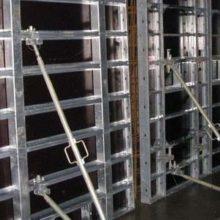 Прокат строительной опалубки для заливки фундамента