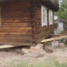 Замена и ремонт фундаментов под домами из дерева