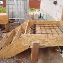 Строительство опалубки для бетонного крыльца своими руками