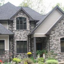 Этапы строительства дома из камня: преимущества и последовательность работ